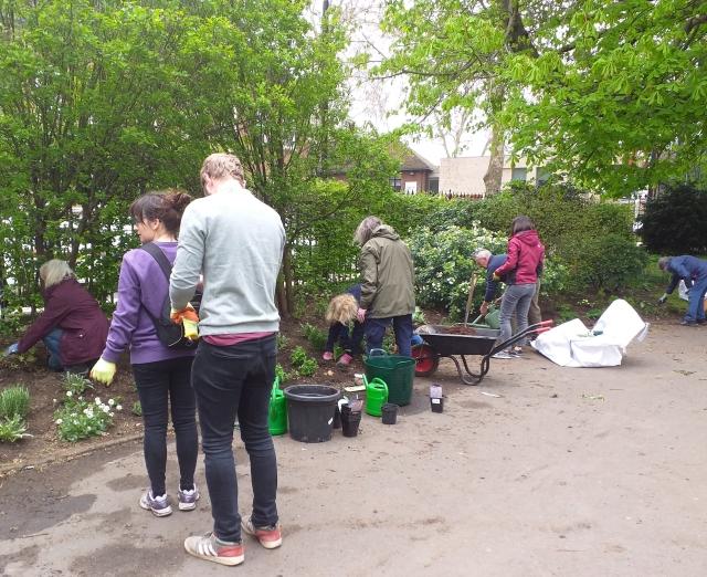 brunswick-gardening.jpg